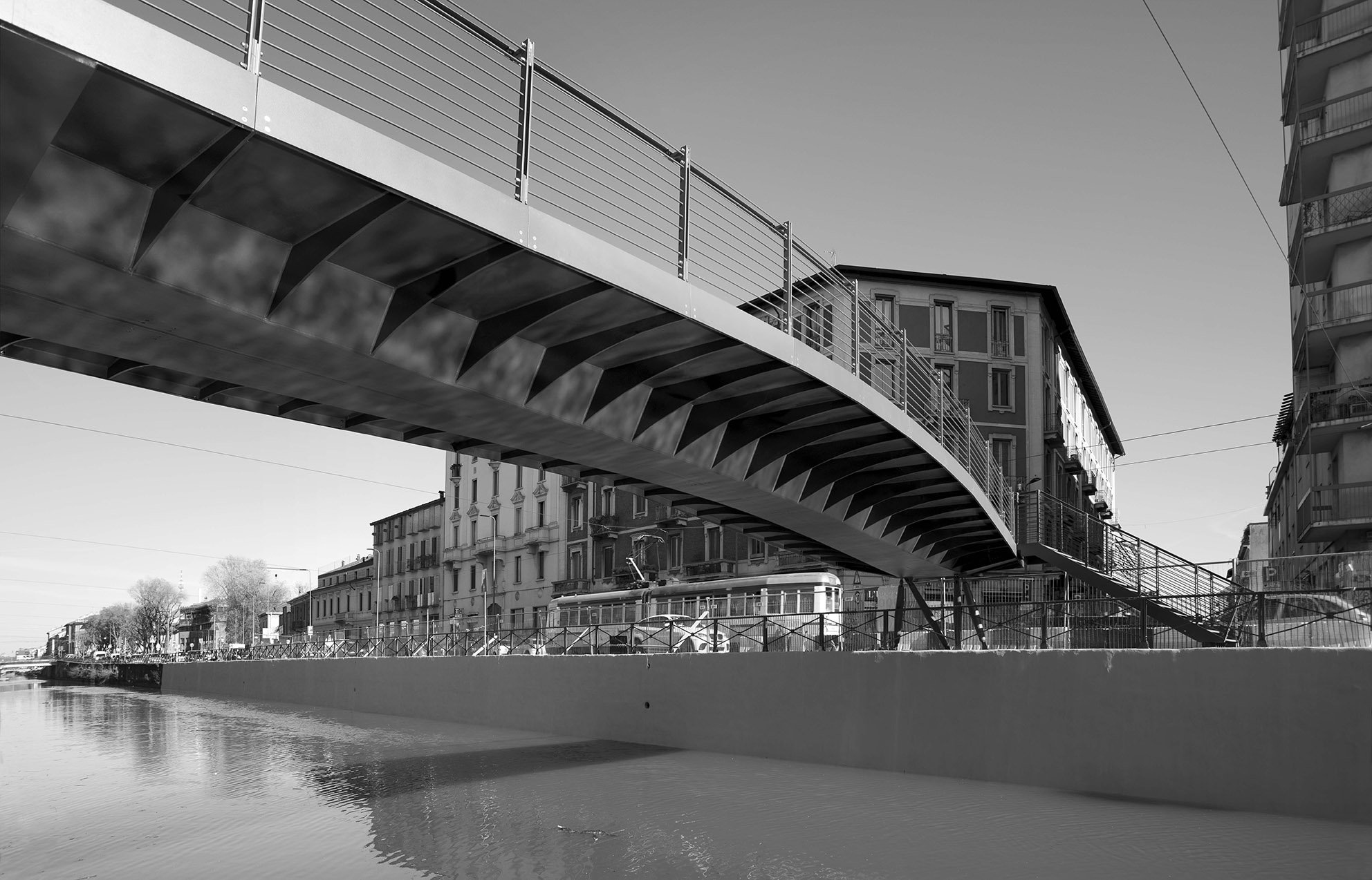 Ponte su Via Lombardini
