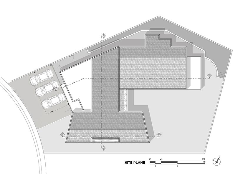 LPZ House - Site Plan }
