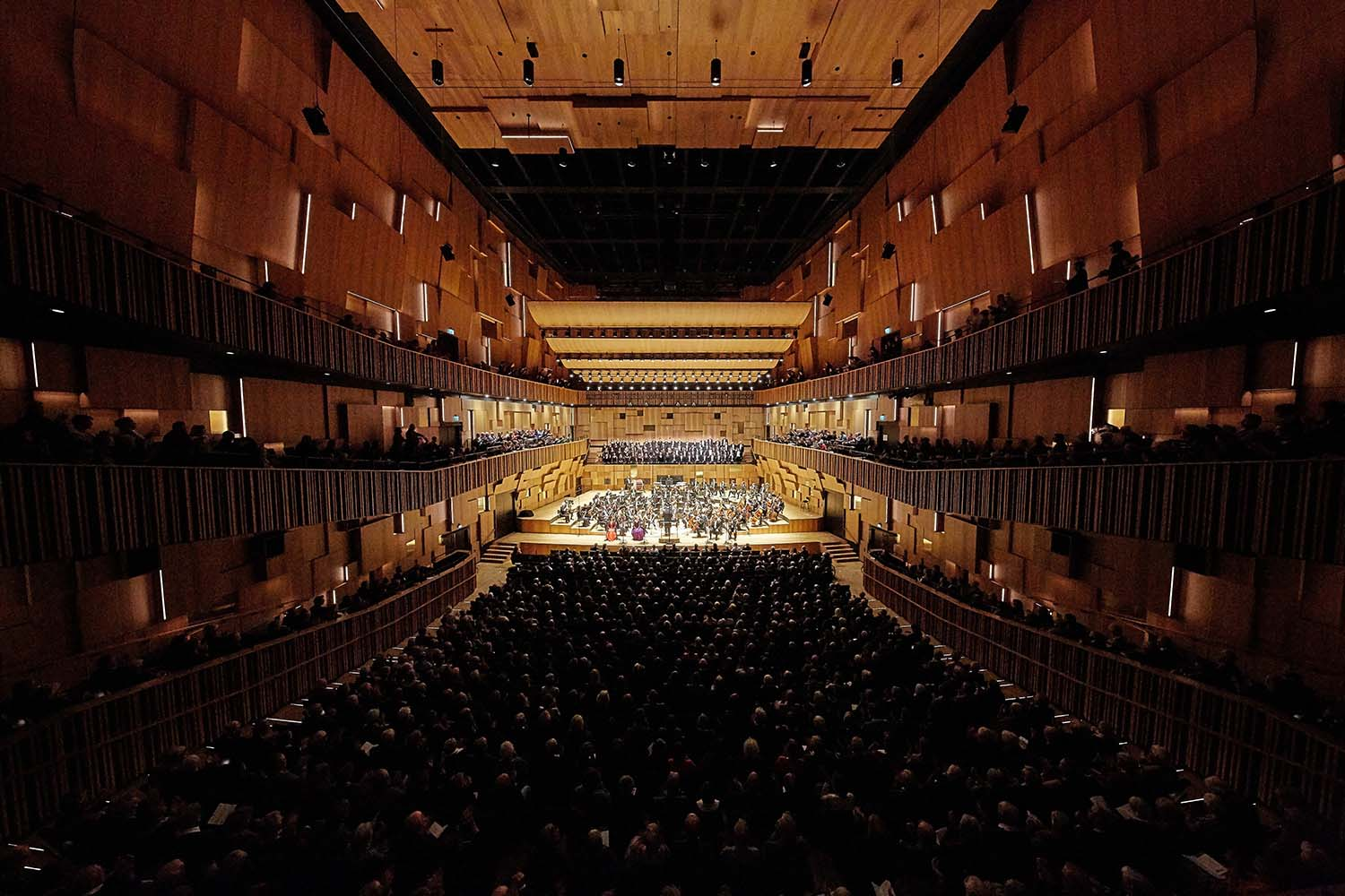 The 45m long, 23m wide, 20m high concert hall is purposely designed for the Malmö Symphony Orchestra