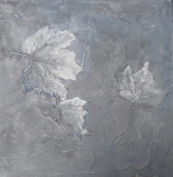 Impronta delle foglie sulla resina, Officina Alviti. }