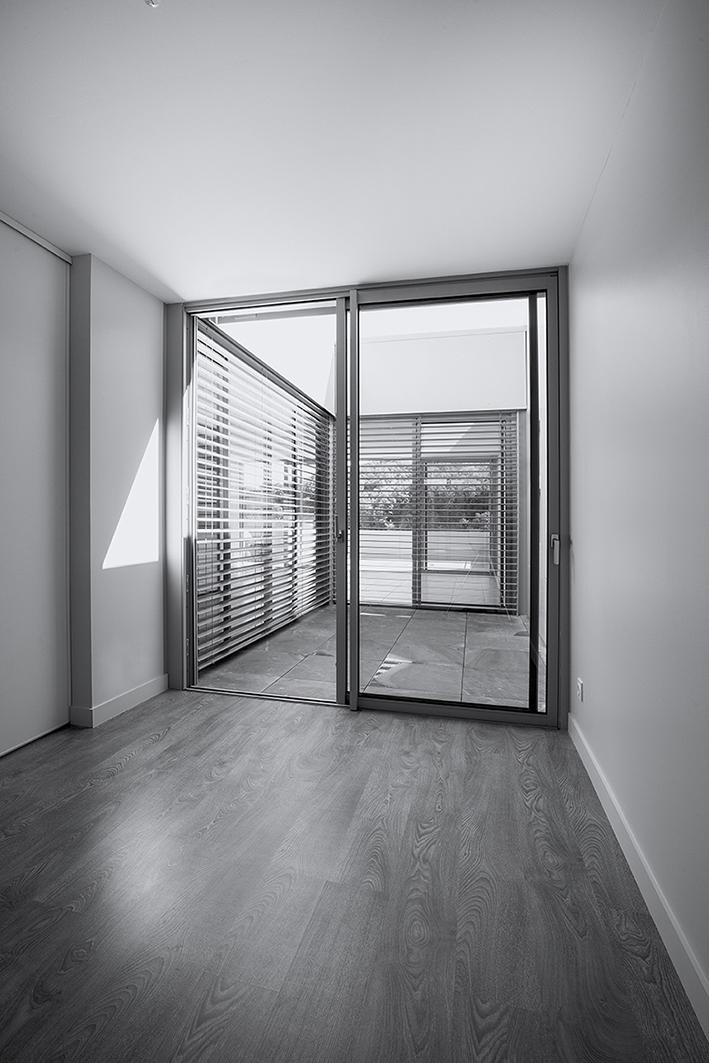 bedroom/patio
