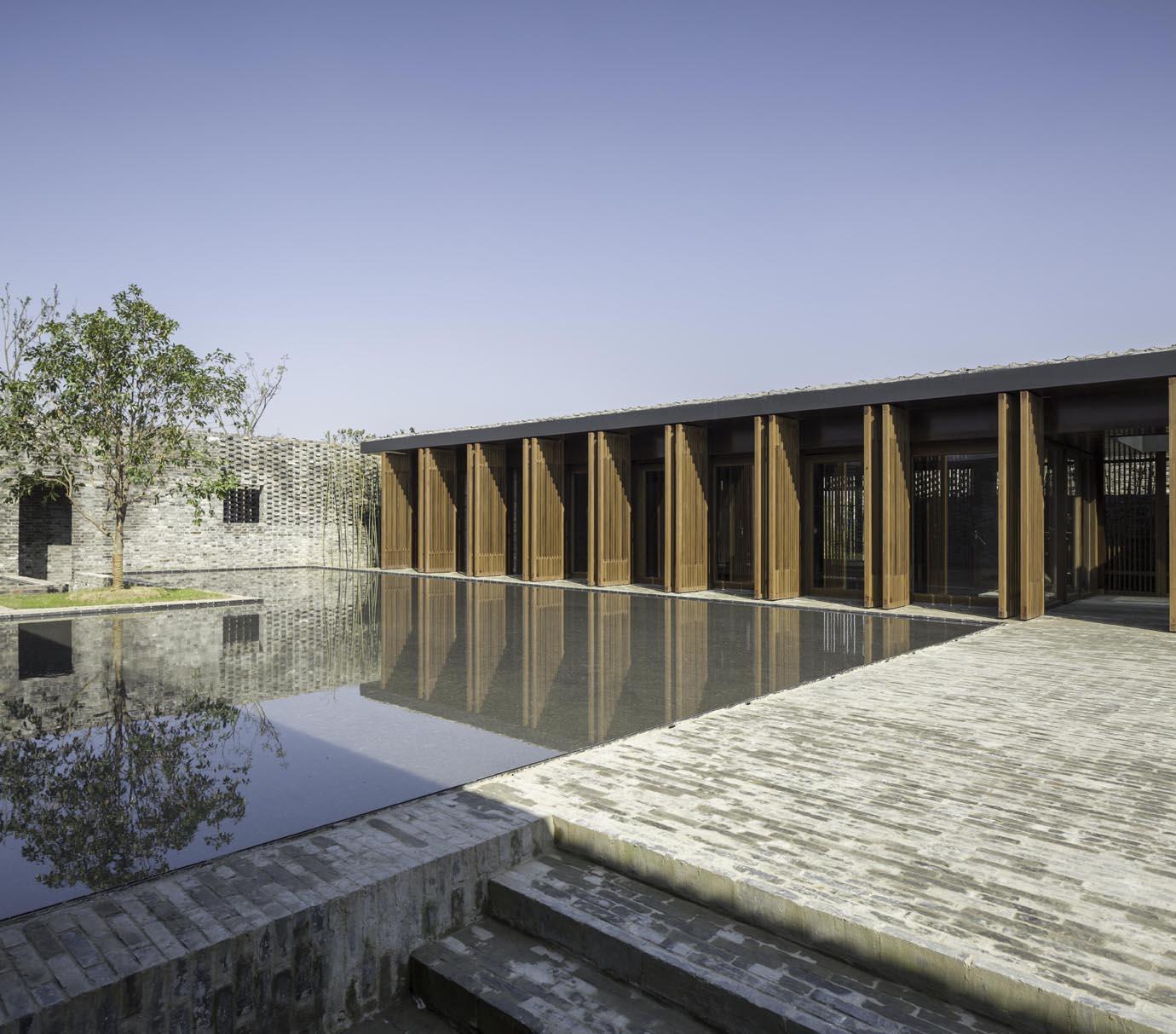The Walled - Tsingpu Yangzhou Retreat  Pedro Pegenaute