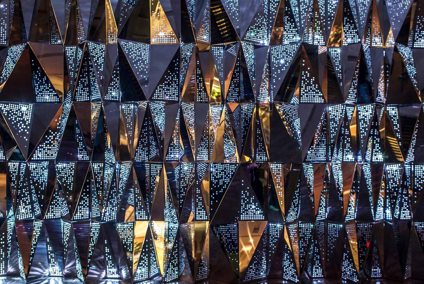 Pixels- zoom  Chris Ponce