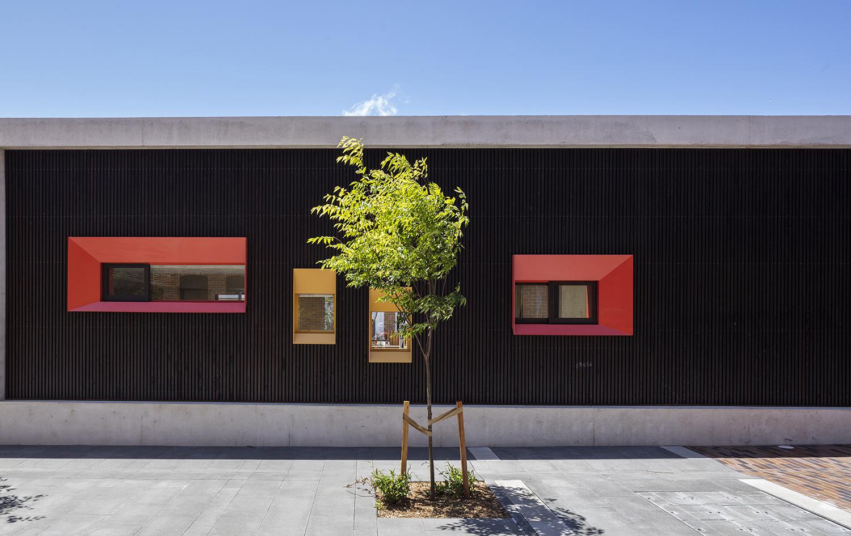 External Facade with protruded steel window reveals Brett Boardman