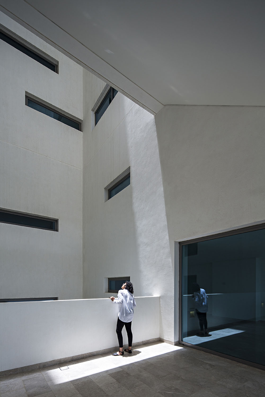 Interior Courtyard AGi architects