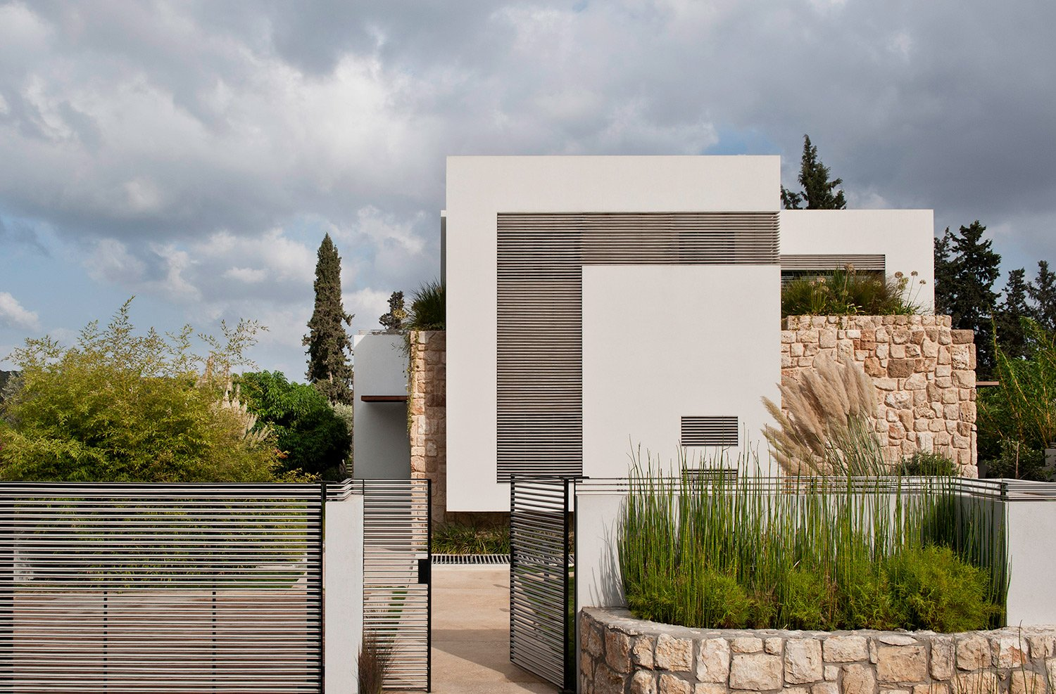 Ext 001 oded smadar