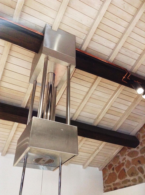 dettaglio della struttura di supporto modificata su disegno cafelab architetti