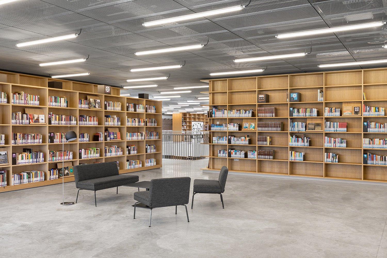 Reading area 2nd floor Delfino Sisto Legnani e Marco Cappelletti