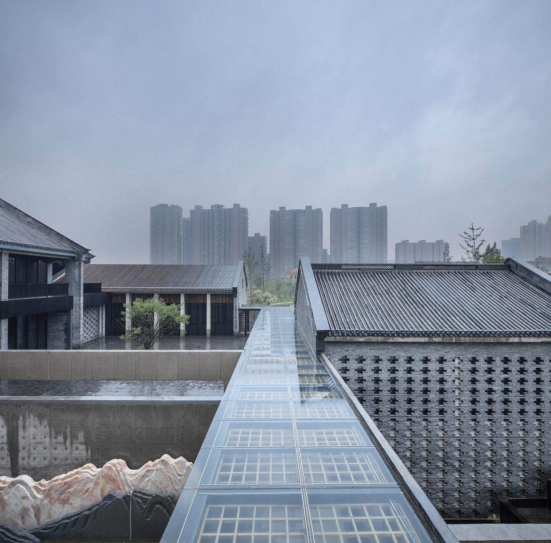 Overlook of the courtyard Hu Yijie