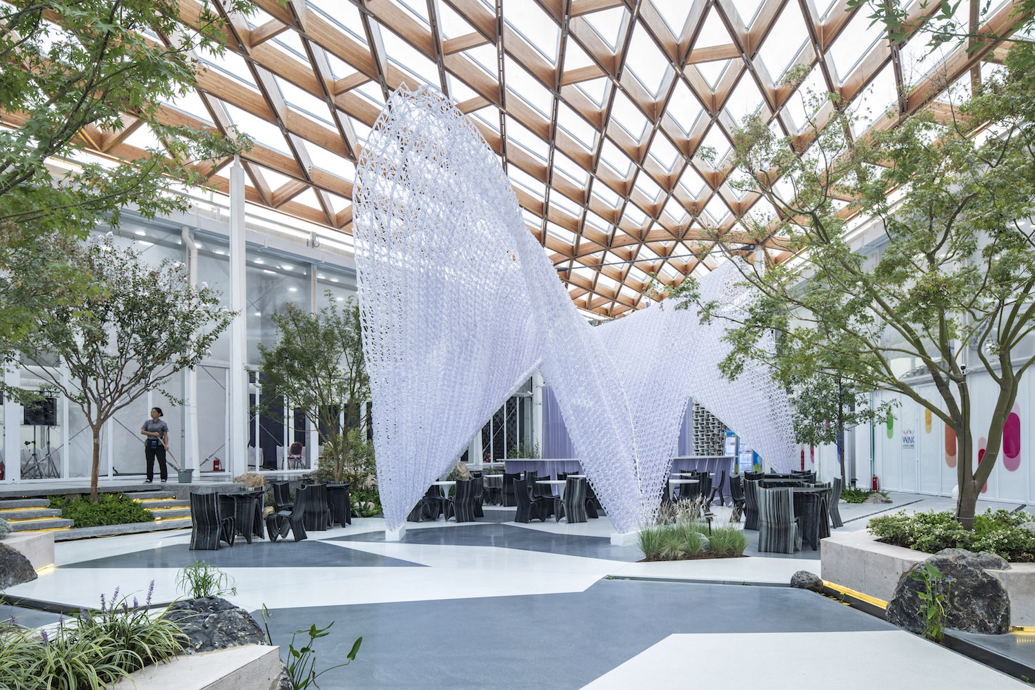 3D Robotic Printed Coffee Pavilion in the shared garden Fangfang Tian