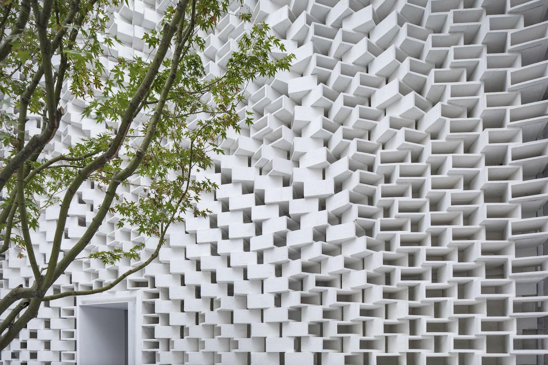 Block Wall Fangfang Tian