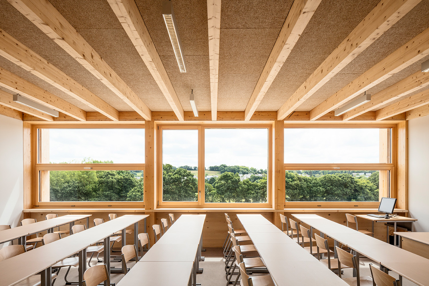 College Lamballe - classrooms with a wide view into the surroundings Luc Boegly