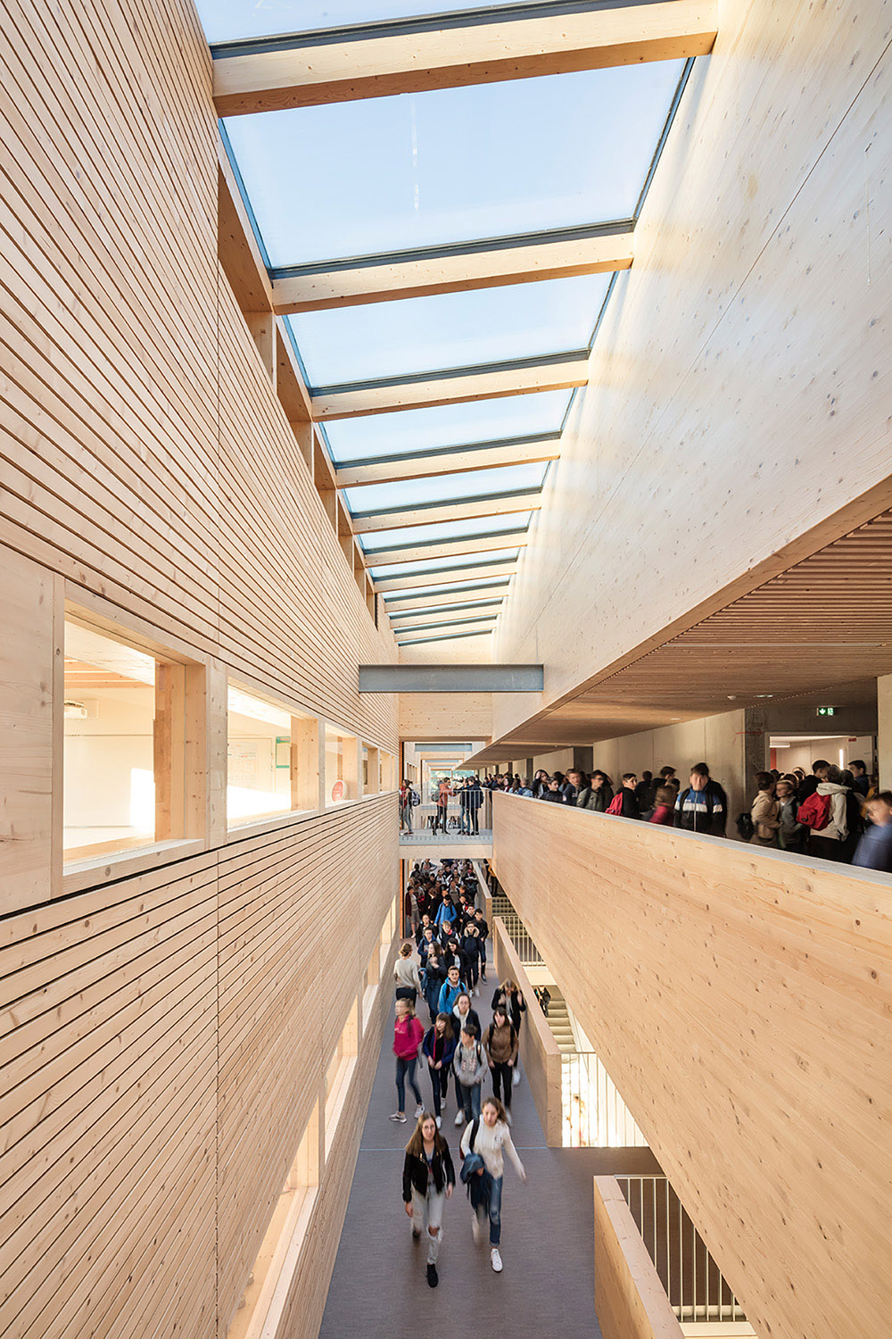 College Lamballe - three-story atrium gives natural light to the circulation area and the classrooms Luc Boegly