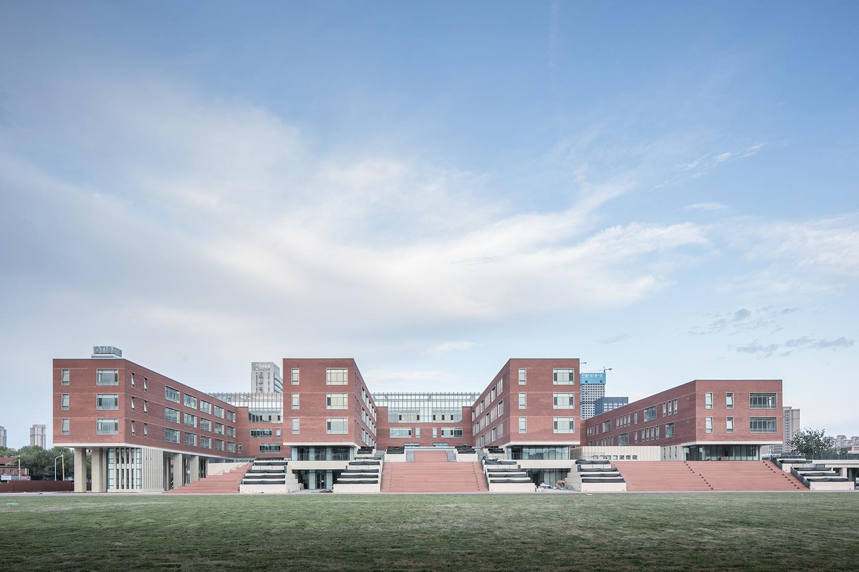 Academic Buildings © Hui Zhang
