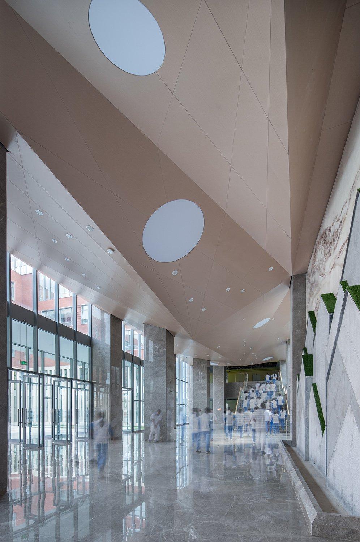 Entrance Hall (Real Scene) © Hui Zhang