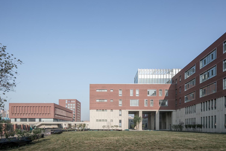 Inside the school2 © Hui Zhang}
