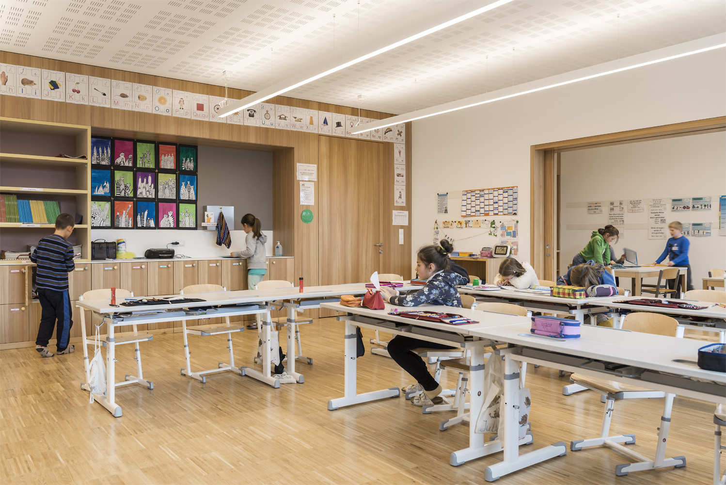 Elementary School - classroom with adjoined learning space Oliver Jaist