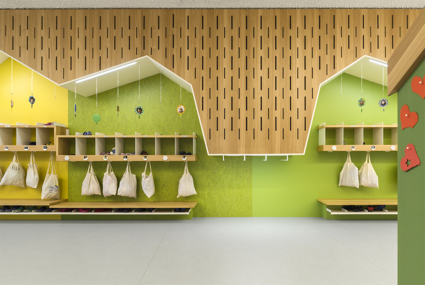 Kindergarten - Changing area with bold textures and colours Oliver Jaist