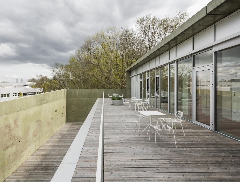terrace view © Luc Boegly}
