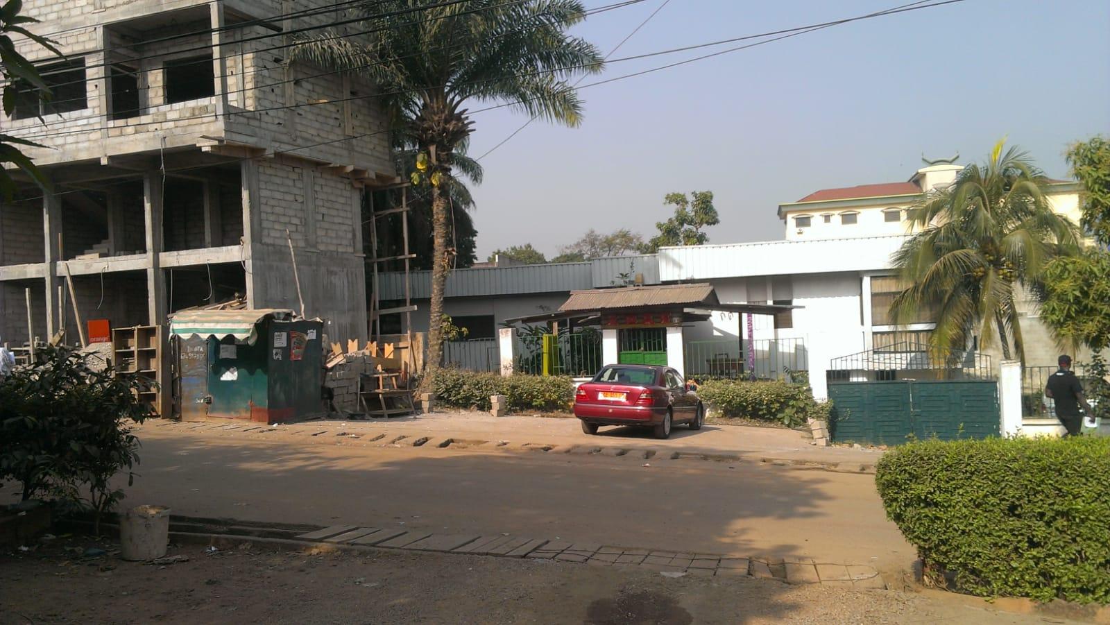 Vista dalla strada del'area dove sorgerà la clinica 3ndy Studio
