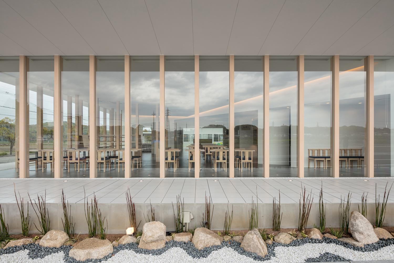 South glass facade ©Stirling Elmendorf