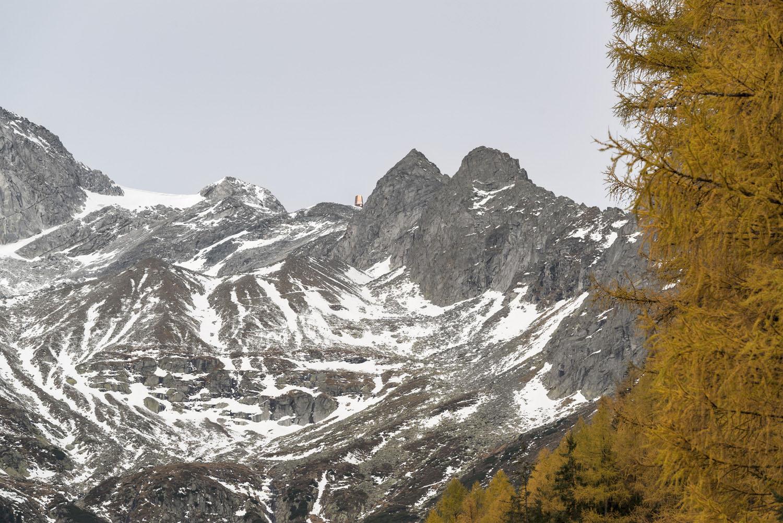 """Una """"cima di roccia"""" sottile, concepita come segno forte nel paesaggio Oliver Jaist, Bressanone"""