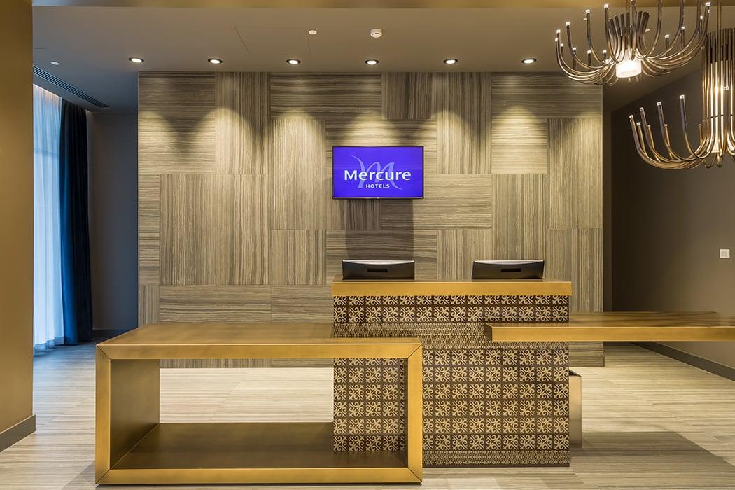 Hotel Mercure Almaty City Center_ reception Hotel Mercure photographer