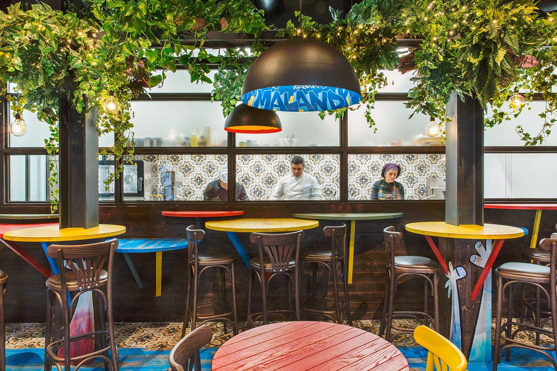 Vista della cucina di Malandros Bodega de Tapas RM\Architecture}