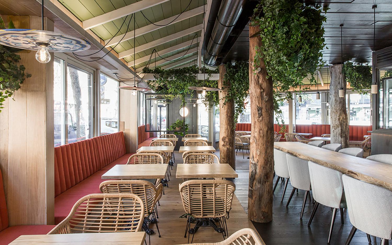 Vista della sala di Meaters Brace Bar RM\Architecture}