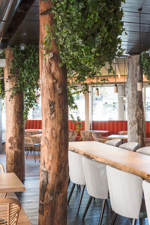 Vista di dettaglio della sala di Meaters Brace Bar RM\Architecture}