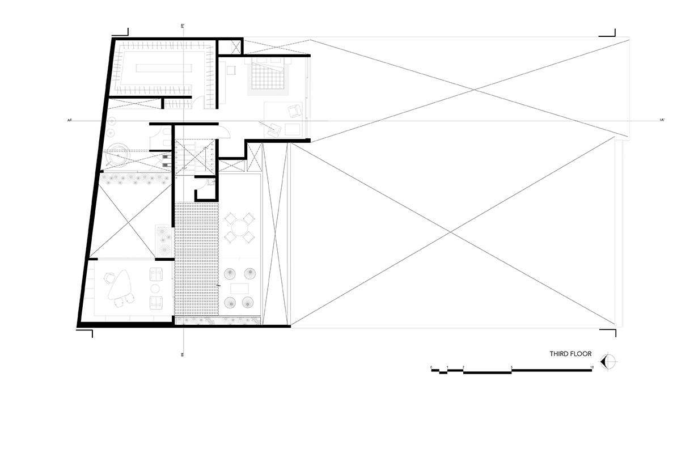 Third floor taller paralelo}