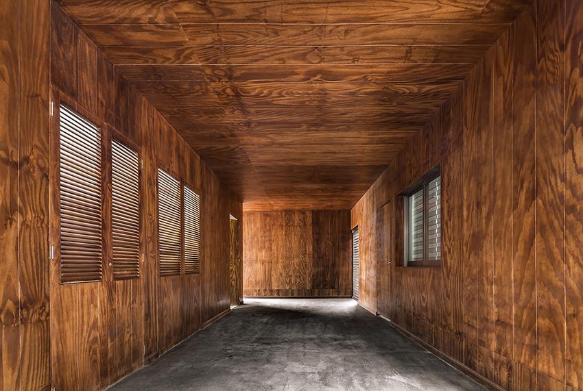 Hallway César Béjar