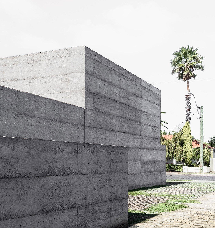 Western facade Givlio Aristide