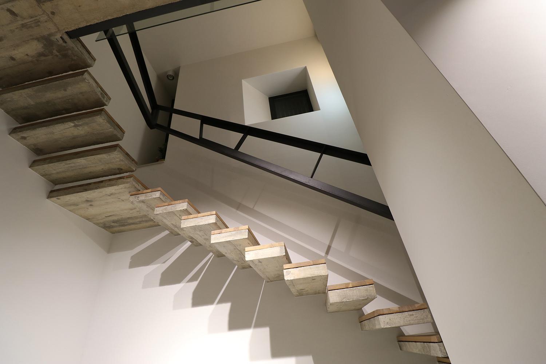 staircase jelena pavlovic