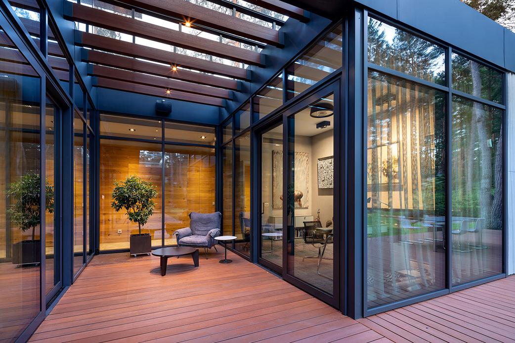 Glass elevation between the house and garden Szymon Polański/Trzop Architekci