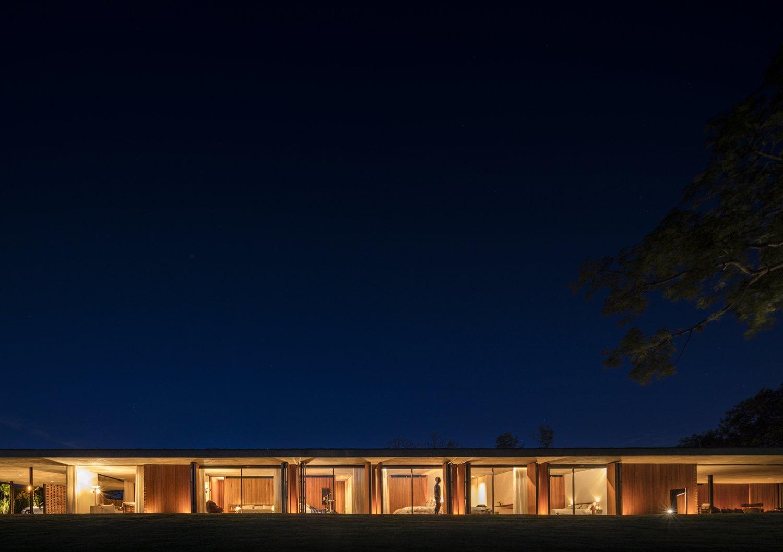 Planar house at night Fernando Guerra
