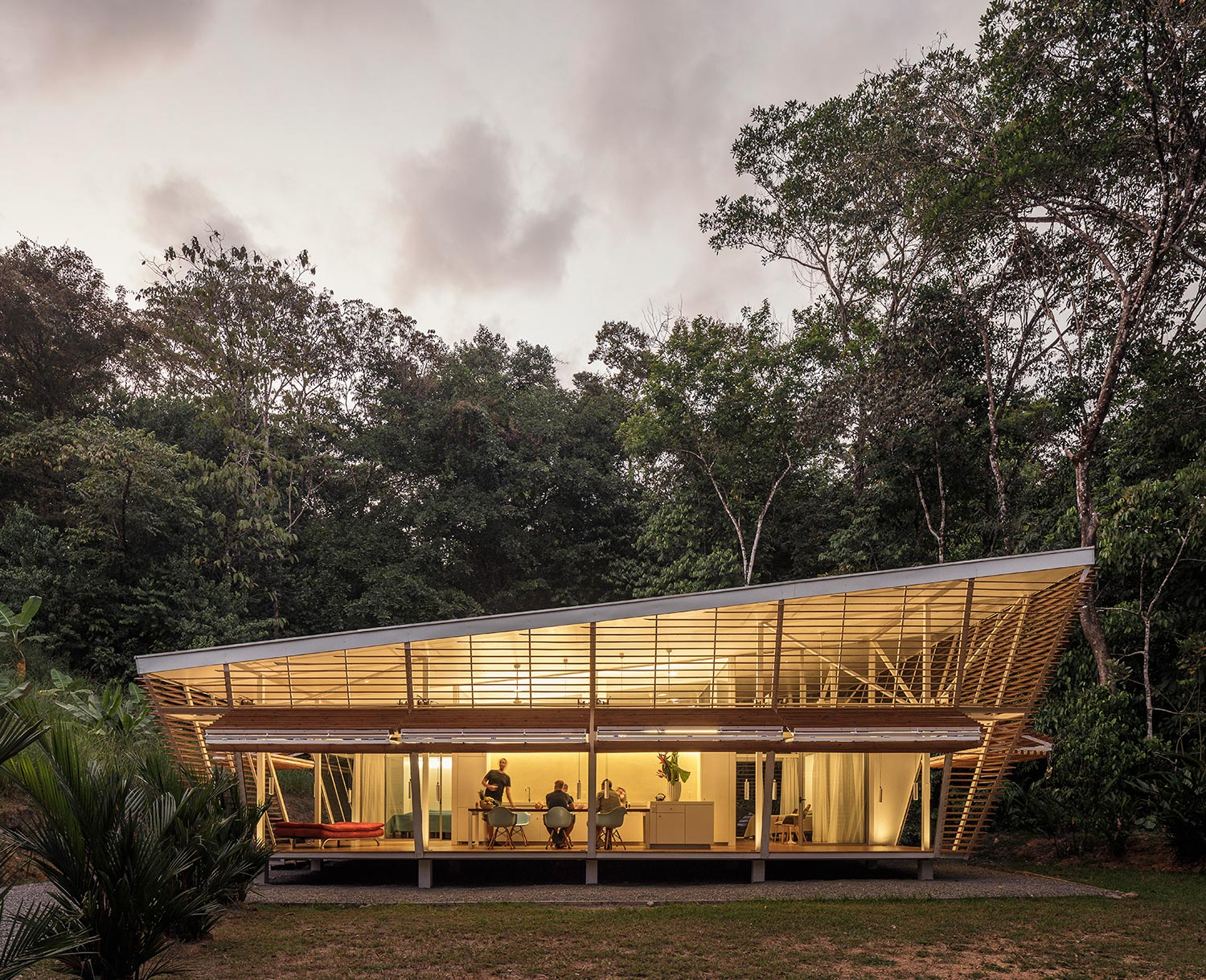 The larger catalog of building typologies includes fully independent configurations in terms of self-sufficiency and energy-autarky for off-grid locations. Fernando Alda