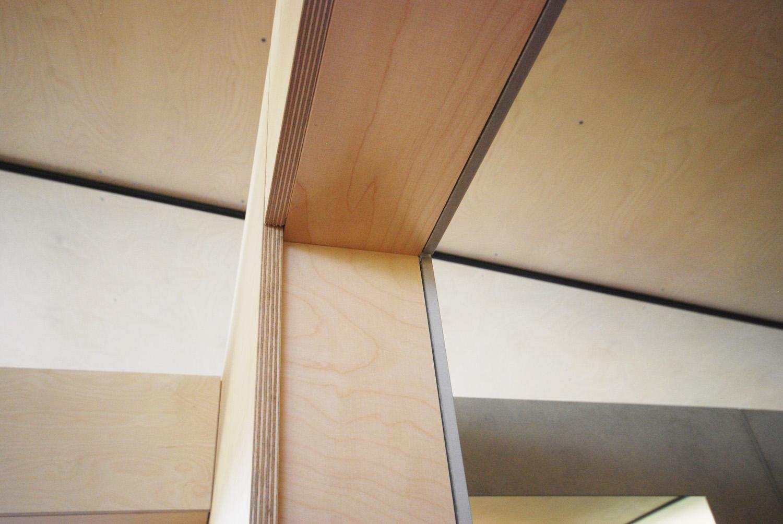 Plywood door frame RAAarchitects}