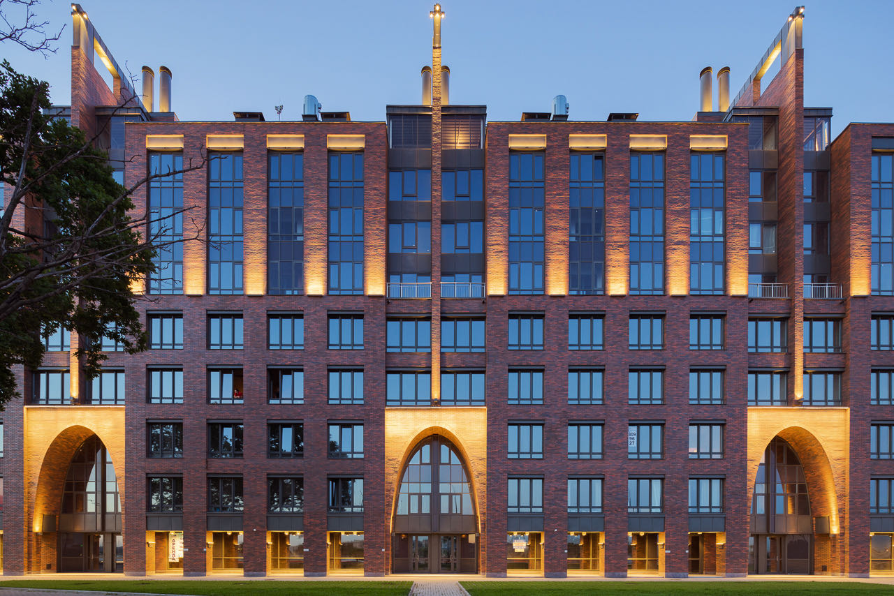 4. Residential complex: facade with the architecture lighting 4. Ivan Smelov
