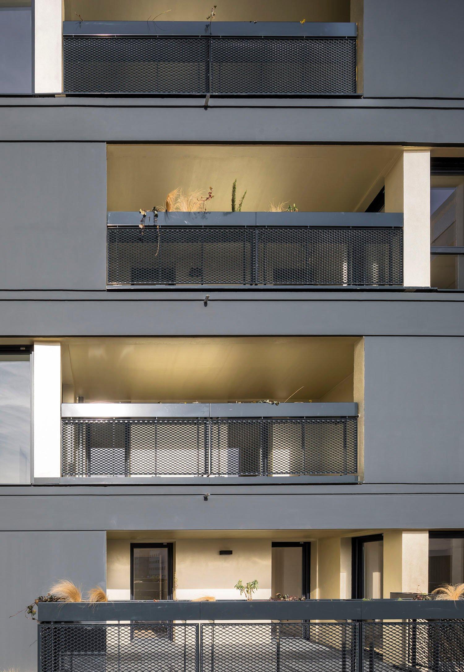 PETITDIDIERPRIOUX Architectes - 152 housing units in Villeurbanne - South facade zoom Sergio Grazia