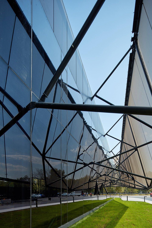 photo between the facade and the shell-10 yunus ozkazanc