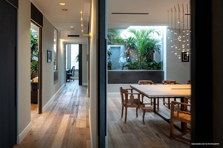 Corridoio e sala riunioni Nava Rapacchietta Photography