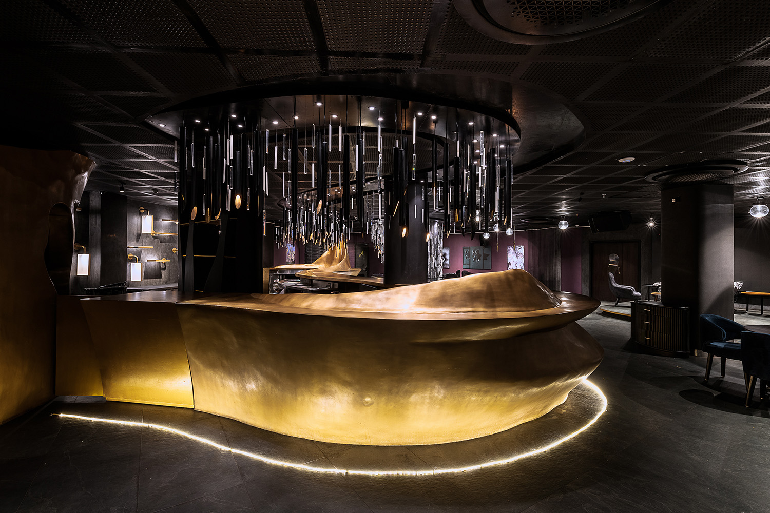 The Bar is conceived as a flowing wave pattern with its periodic rise & fall. ©Photographix | Sebastian + Ira