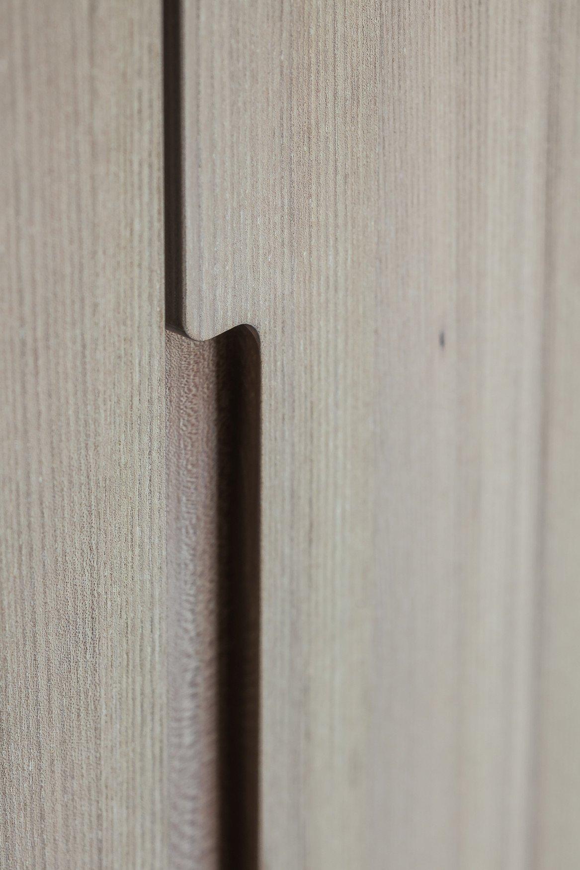 Detail of oak veneer Thomas De Bruyne (Cafeine.be)