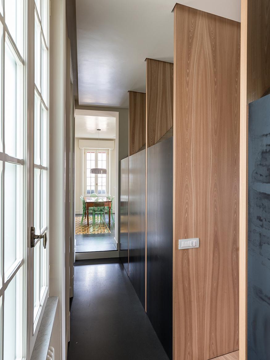 Dettaglio. La cucina è prodotta da Valcucine è Ecocompatibile, realizzata con telaio in alluminio interamente riciclabile e vetro Marco Cappelletti