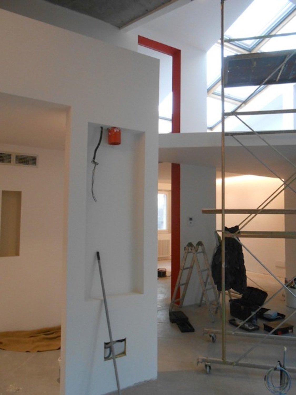 Workinprogress si prepara lo spazio per il montaggio della protagonista.... arrighi giuseppe fotografo