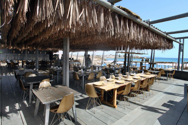 Area ristoro con affaccio sul mare STUDIO SALVATORE PULEO ARCHITETTO