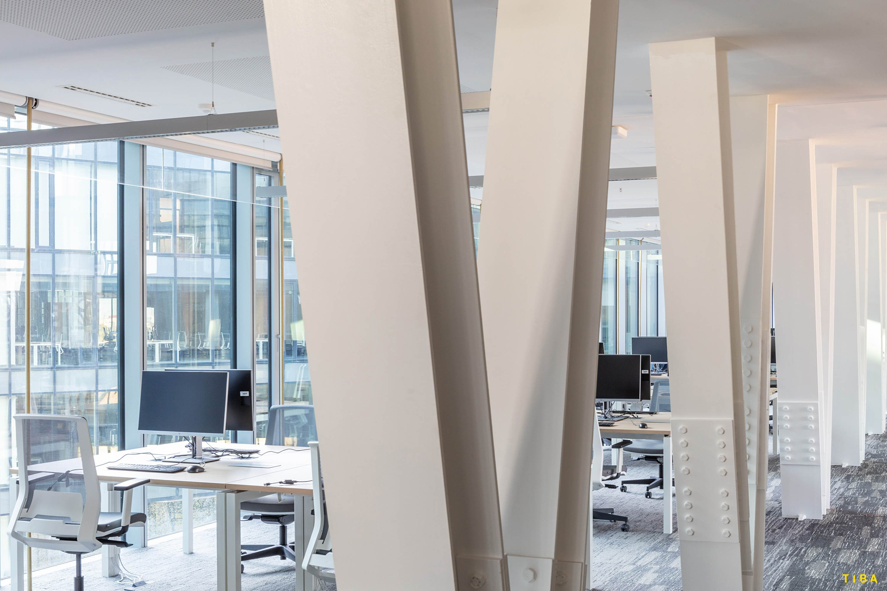 """Bridge"" Office TIBA Architects Studio kft"