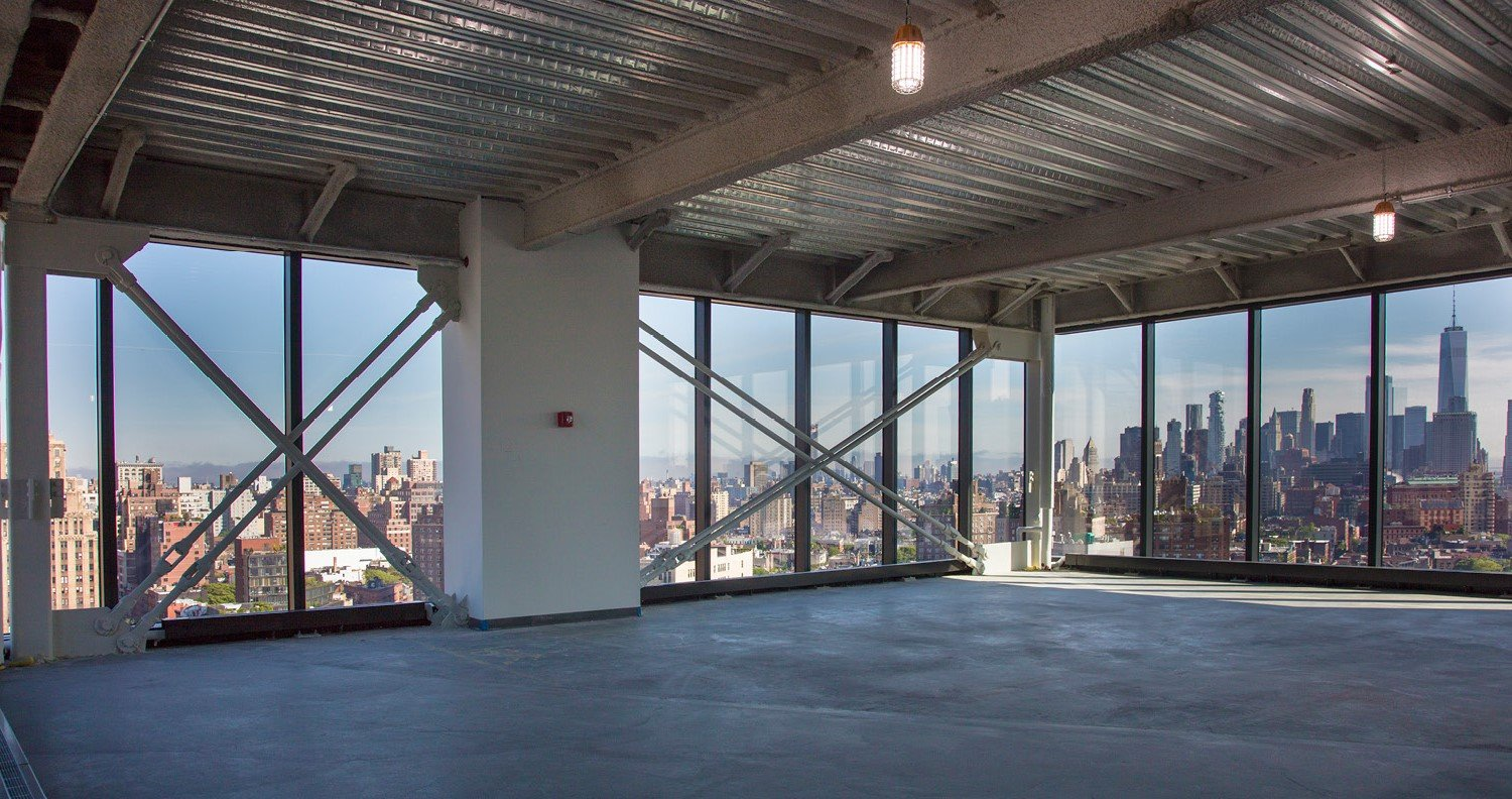 Nearly column free layouts offer high ceiling heights and flexible floor plates David Sundberg | ESTO