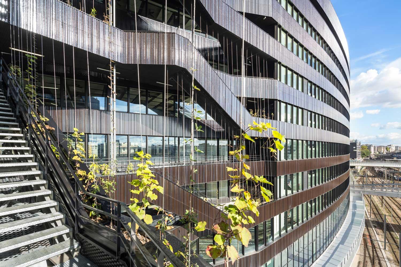 Detail suspended footbridge and staircase ChartierDalix & Brenac&Gonzalez&Associés}